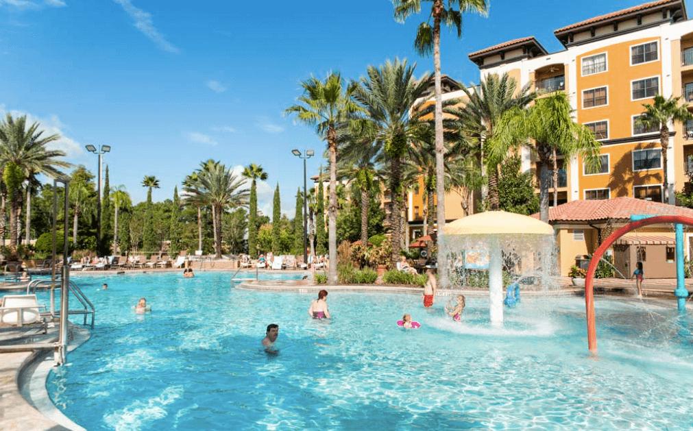 Floridays Resort 2 and 3 bedroom suites. Image copyright Floridays Resort